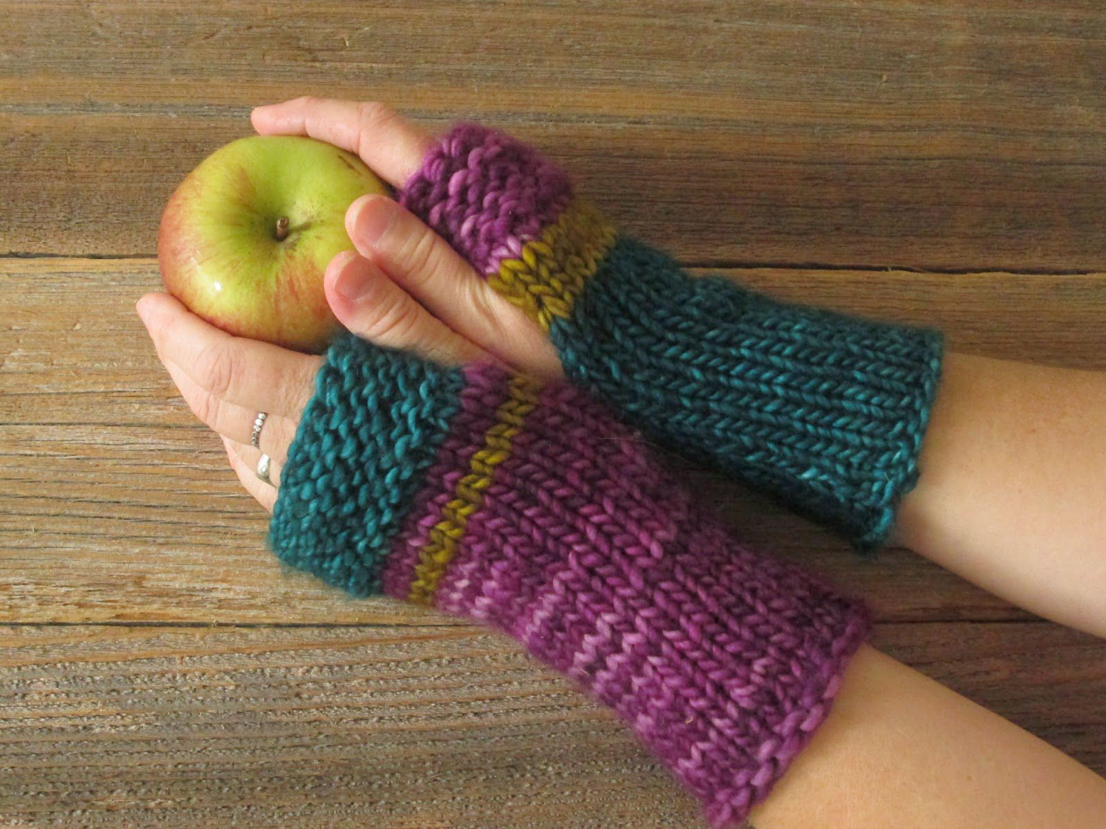 https://pollyfoofoo.blogspot.com/2014/09/mrs-fitz-mini-mitts.html