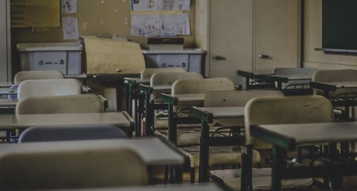 school desks classroom class feature 700x375 1