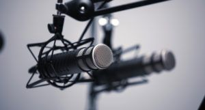 microphone for podcasts and audiobooks feature 700x375