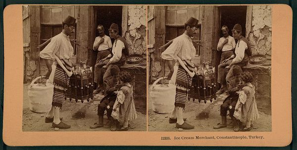photo of an ice cream merchant in Constantinople from the late 19th century