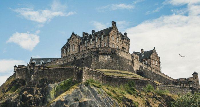 image of Edinburgh Castle in Scotland https://unsplash.com/photos/S56zN8cV5fk