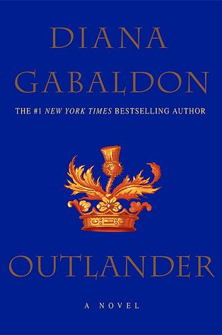 Outlander, de Diana Gabaldon.  Link: https://i.gr-assets.com/images/S/compressed.photo.goodreads.com/books/1529065012l/10964._SY475_.jpg