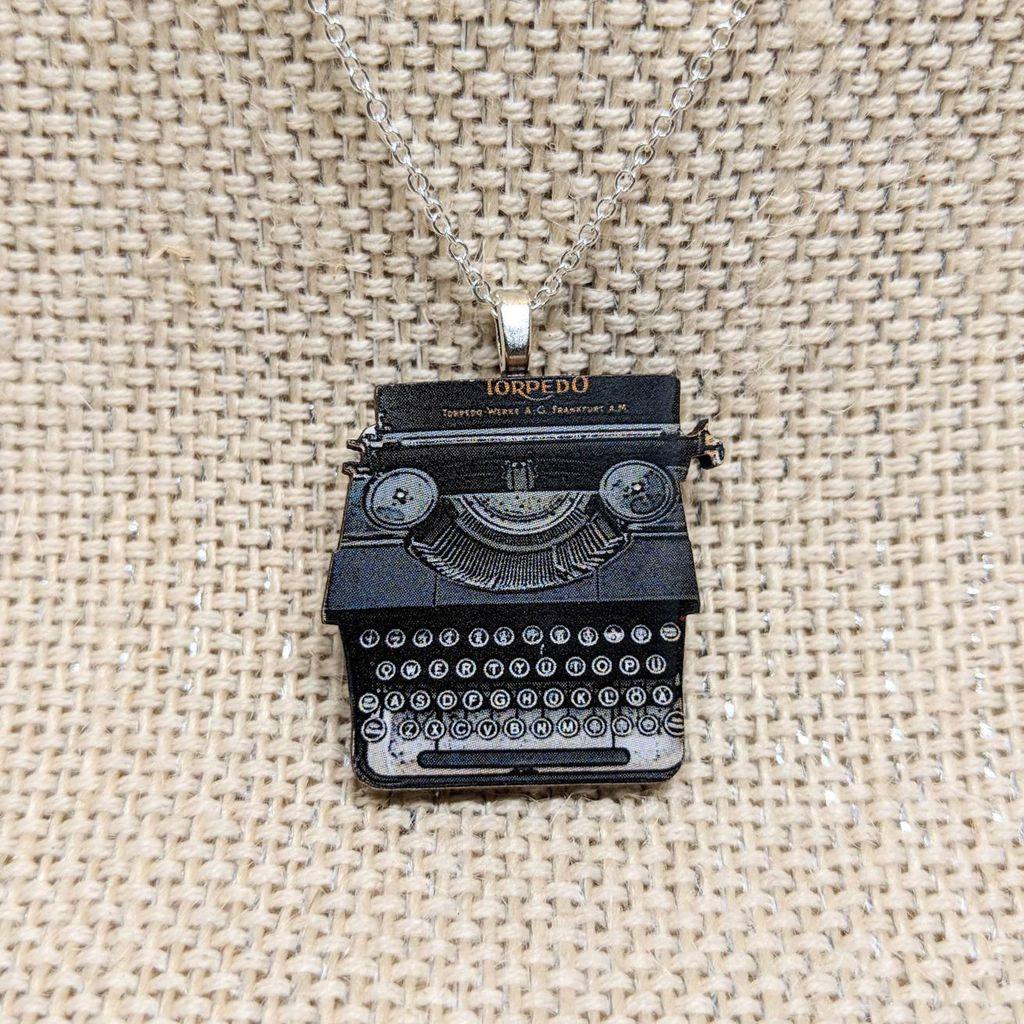 typewriter pendent necklace