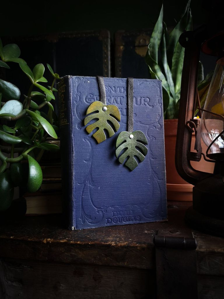 monstera leaf bookmark