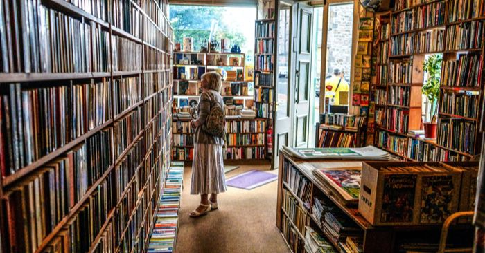 A Case for Being Kind to Tired Booksellers