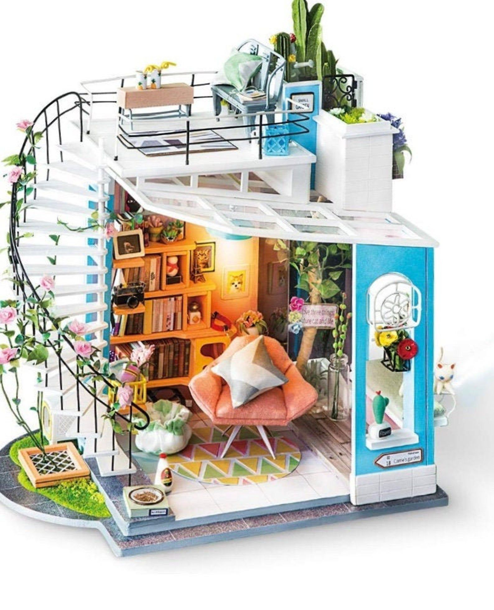 Dollhouse living room with bookshelves