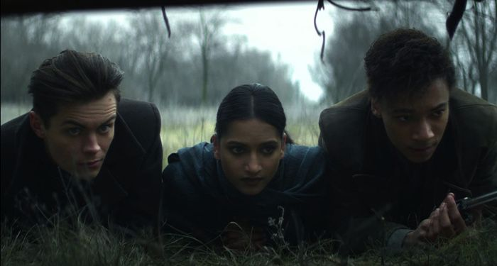 Kit Young, Freddy Carter, and Amita Suman in Shadow and Bone (2021)