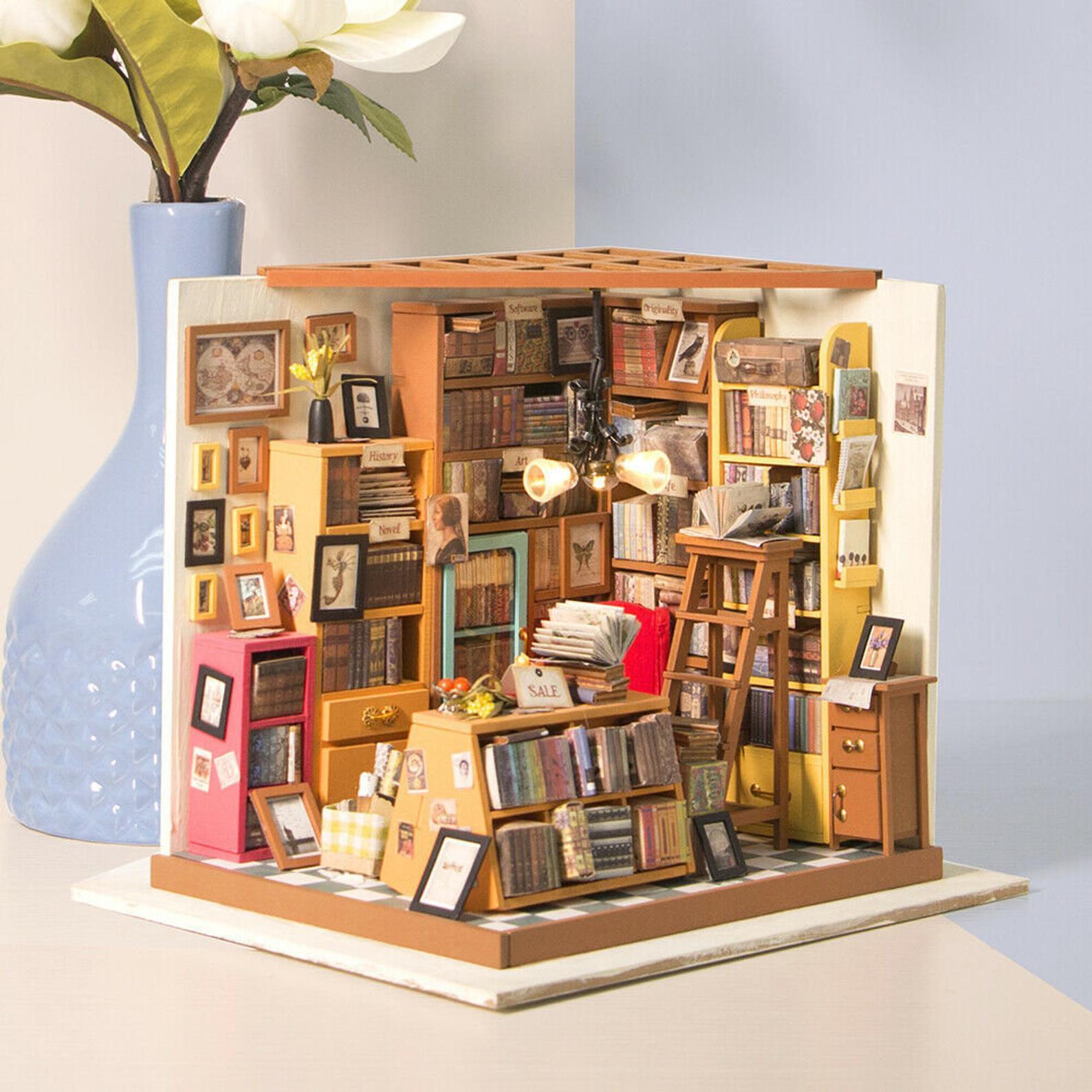 Bookstore diorama