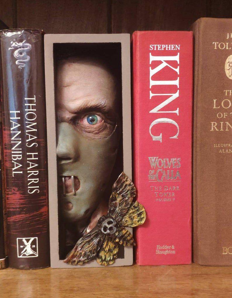 Hannibal Lector book nook