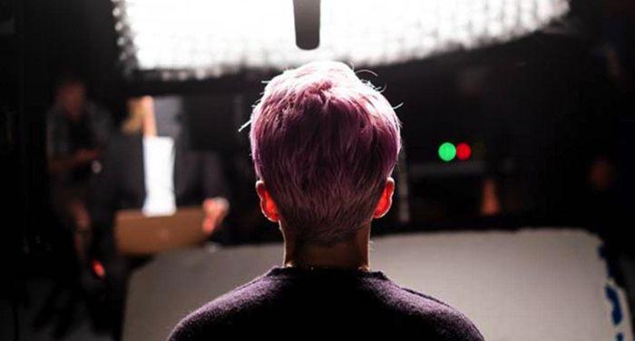 the back of Megan Rapinoe's head in still frame from LFG, a women's soccer documentary on HBO https://www.imdb.com/title/tt14375756/mediaviewer/rm953271297/