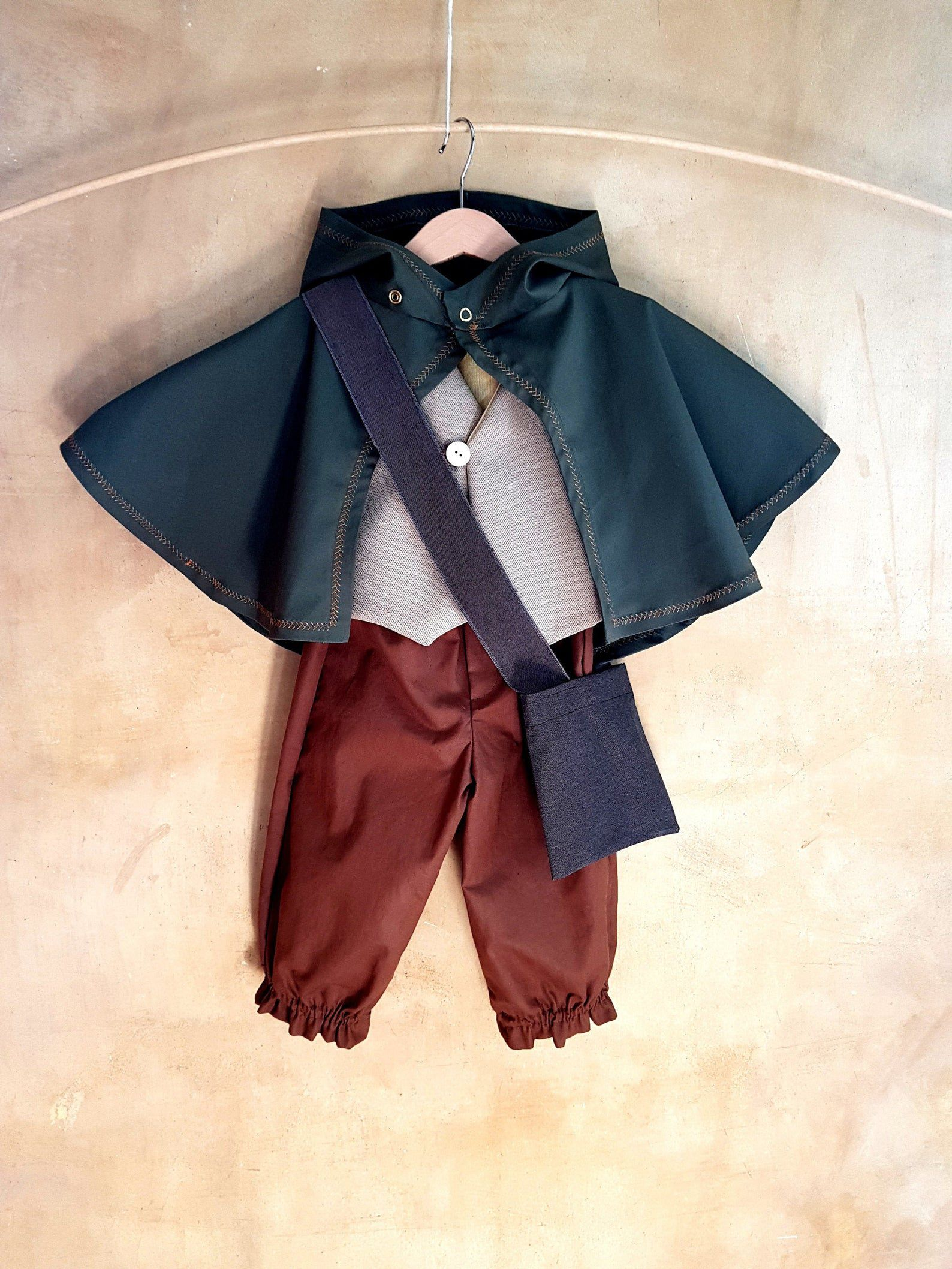 Image of a Hobbit costume.