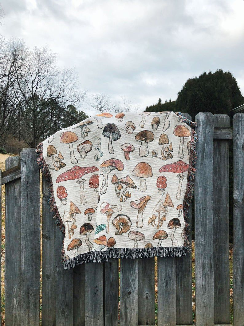 Mushroom Fungi Pattern Woven Throw Blanket in Beige