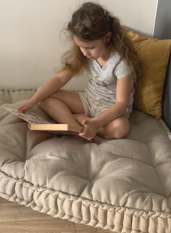 corner cushion for kid's reading nooks